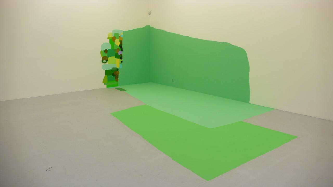 """""""Sin título"""" (esquina verde), de Federico Herrero, realizada en Kunstverein Freiburg, Alemania, en el 2008 (foto Federico Herrero)."""