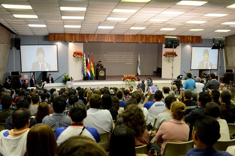 Evo Morales Ayma visitó la UCR