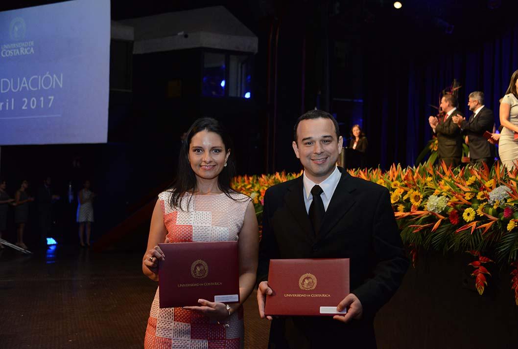 La Dra. Karla Vanesa Garita Muñoz y el Dr. Mauricio Sánchez Salazar inciaron su preparación en el 2015.