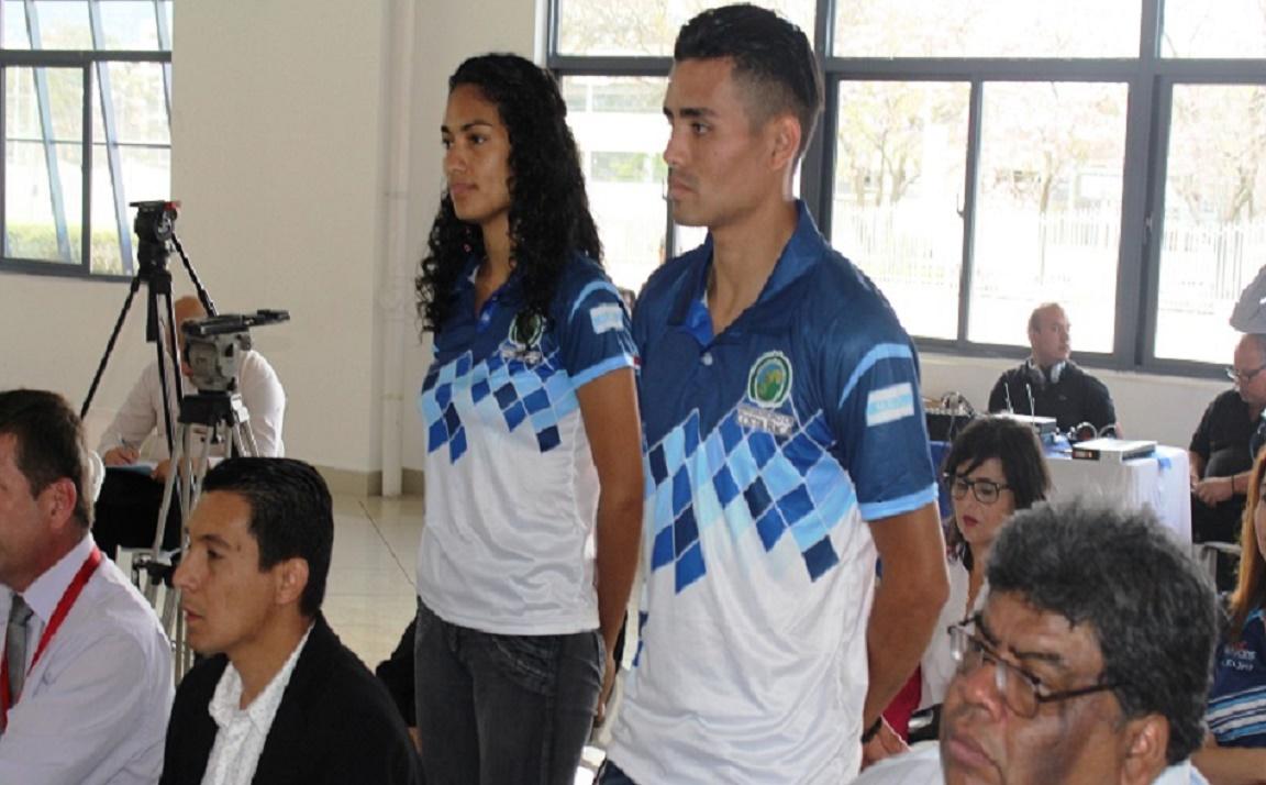Atletas celestes los galardonados como mejores deportistas en femenino y masculino 2016 en la UCR, Yanory Morera (ajedrecista) y Adrián Chacón (taekwondista).